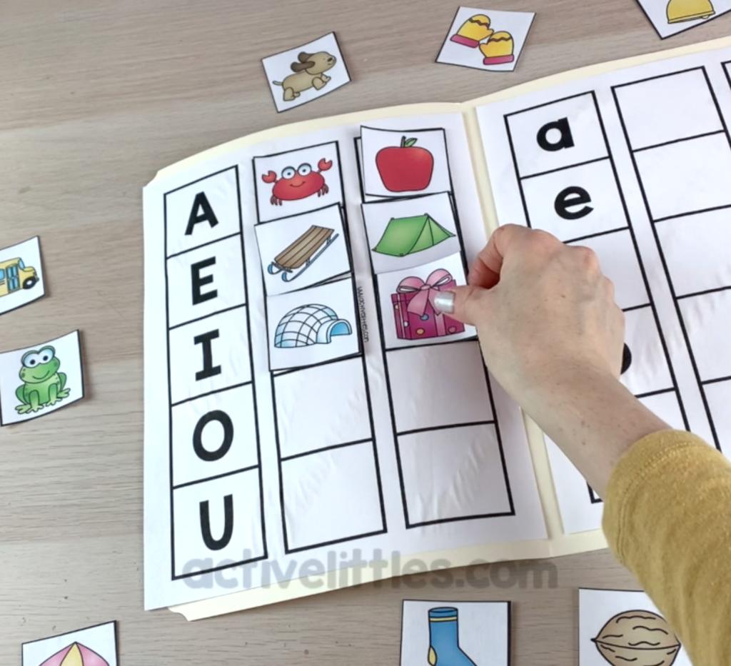 short vowel file folder game